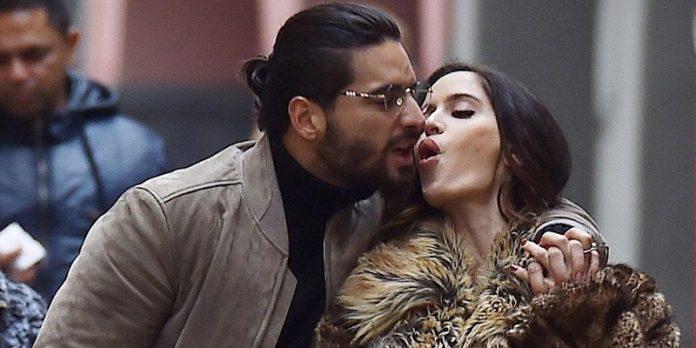 ¡Maluma y su novia se tatúan su amor!