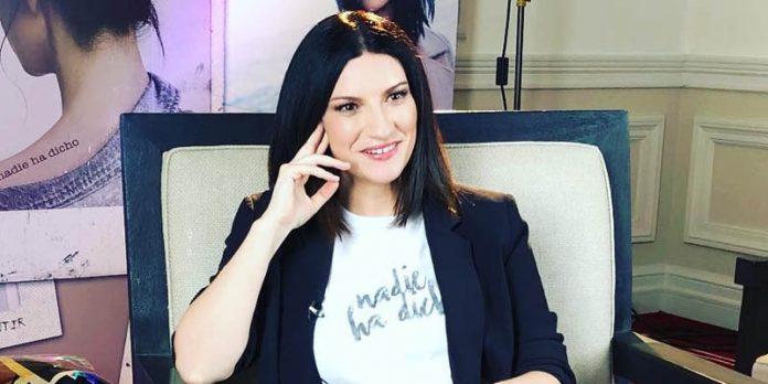 Laura Pausini no pierde su esencia al cantar temas urbanos